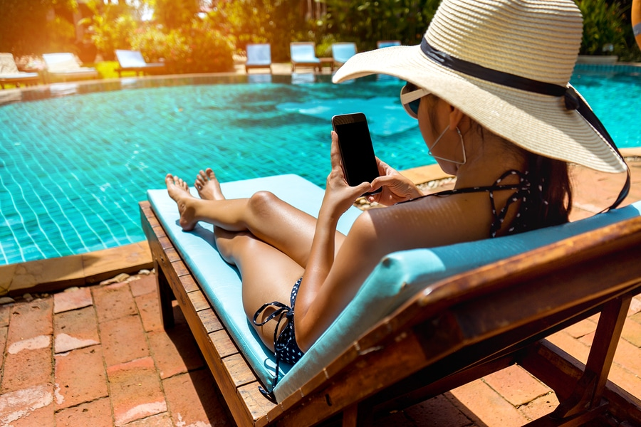 What is a tanning shelf and should you get one in your new pool?