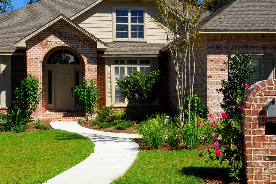 Improve the Curb Appeal of Your Home with a New Walkway